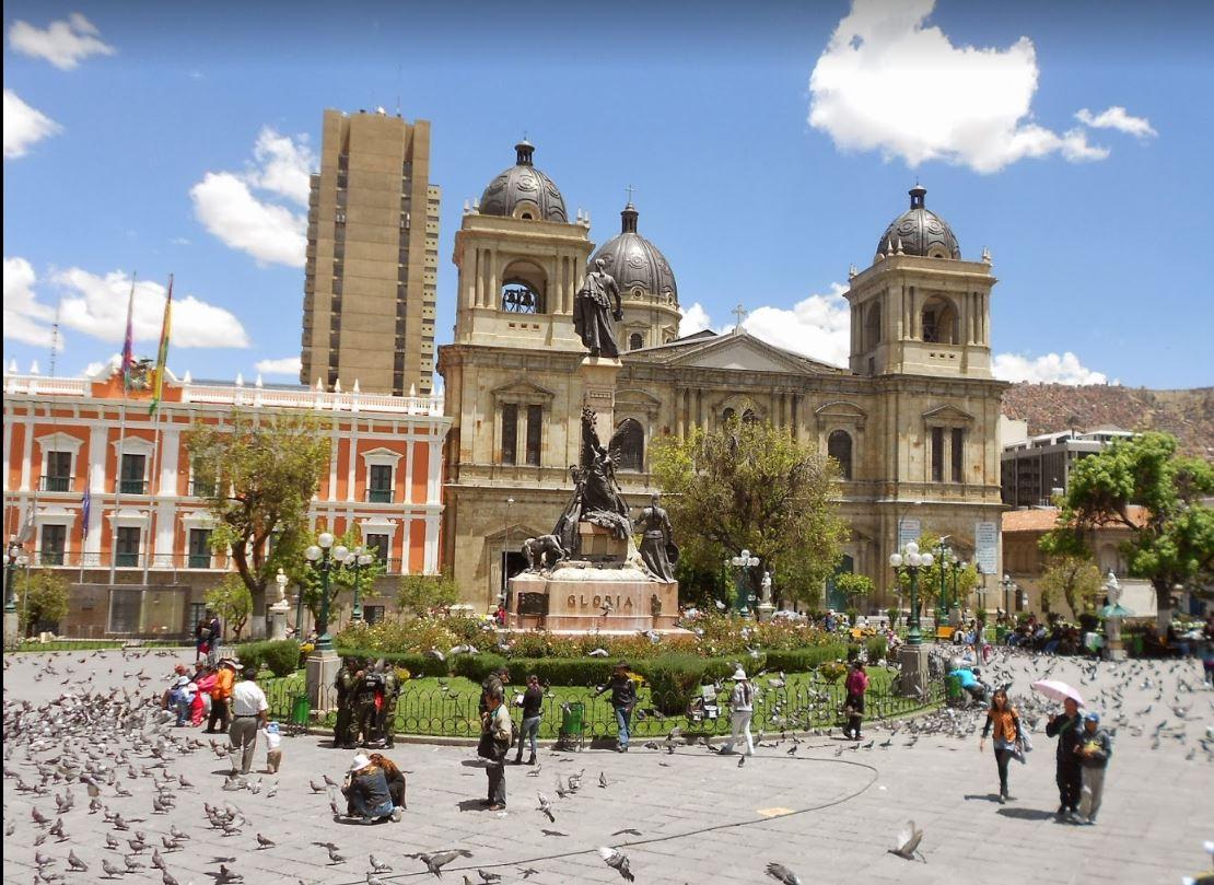 La Paz'ın Kuşlarıyla Ünlü, Murillo Meydanı