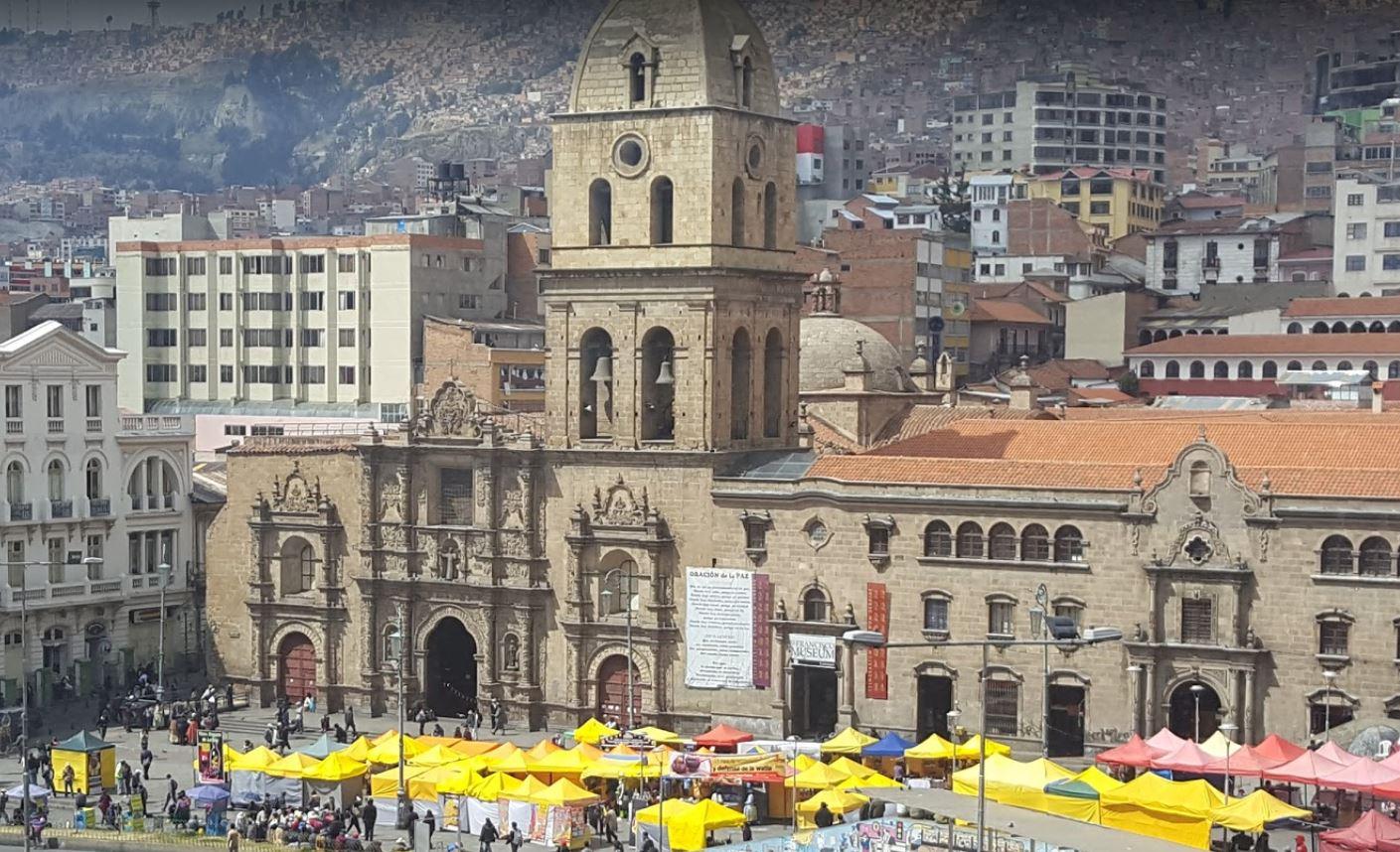 La Paz'daki San Francisco Meydanı ve Katedrali