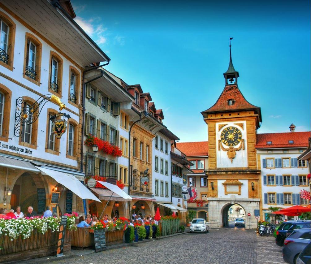 Murten Kasabası Bern Kapısı