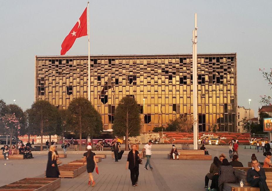 Yıkılmadan Önce Atatürk Kültür Merkezi