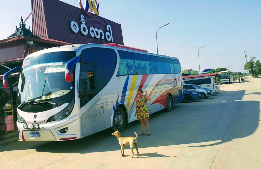 Nyaungshwe - Yangon Otobüs Yolculuğu ve Mola Anı
