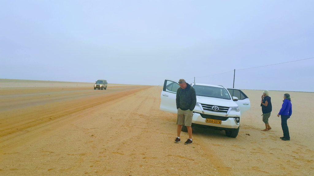 Namibya'nın Uçsuz Bucaksız ve de Ipıssız Çöllerinde Bir Mola Anı