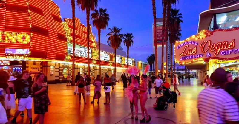 Casino Center'da Yer Alan Fremont Street